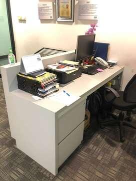 meja resepsionis ex kantor