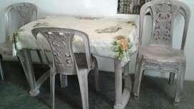 Plastic Dinning Table
