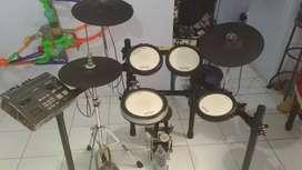 Drum elektrik Yamaha dtx700