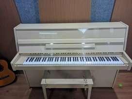 Piano Yamaha LU-101