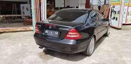 Mercedes benz new eyes tahun 2001 mulus luar dalam.jual harga miring