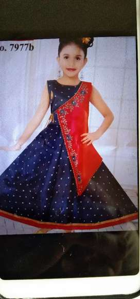 Gown for girls under 8 to 10 years.