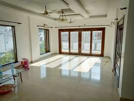 4BHK floor rental rajpur road,