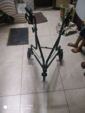 Portable Walker with wheels and brakes