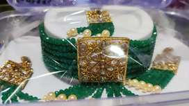 Jewellery at price 400 cost of Rs 500,(Maangtika Haar and earrings)