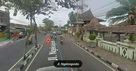 Tanah pinggir Jl.Ngeksigondo samping Jl.Gedongkuning & Menteri Supeno