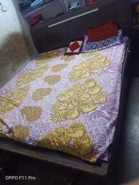 Fullsize hydraulic bed 2 mattressgoodcondition
