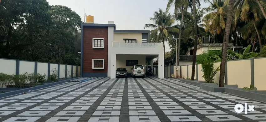 23 cents land & 6050sqft Bunglow for Immediate Sale