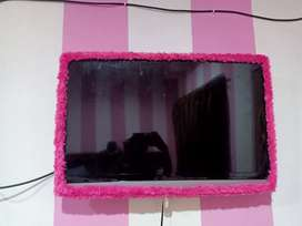 Televisi 32 inch (700..000)