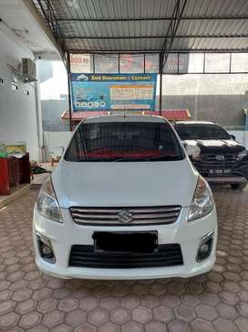 Dijual 1 Unit Mobil Ertiga GL 2013 M/T Putih