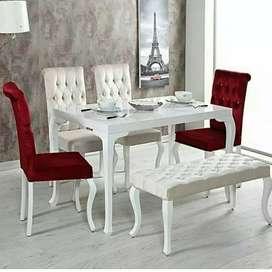 Meja makan dari kayu Mindy kuat dan cantik harga murah