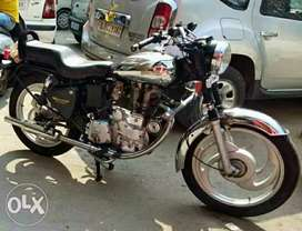 Royal Enfield machismo with 2005 model