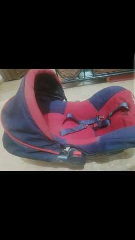 Red and nevy blue kids bouncer in very good condition