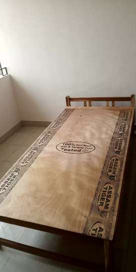 Wooden cot 2000rs only