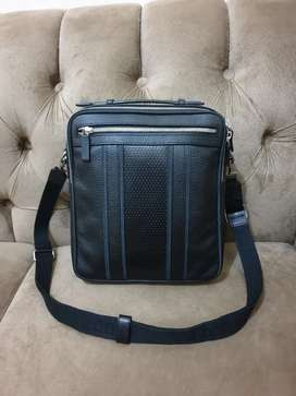 Mulus .authentic tas selempang .sling bag a.testoni