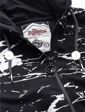 Brand new unused Roadster sweatshirt with a hood.