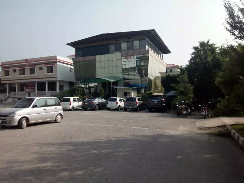 Commercial plaza for sale 0