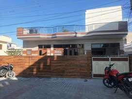 250 gaz Corner house in golden city