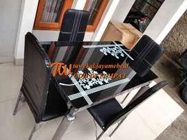 meja makan minimalis 4 dudukan bahan rangka besi dan meja kaca minimal