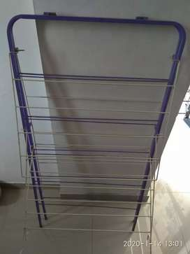 Foldable cloth stand