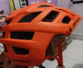 Helm Enduro merk Cairbull