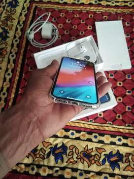 iPhone x 64GB 6 month old