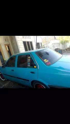Nissan sedan plat n Probolinggo