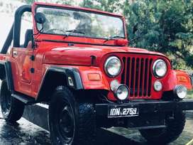 Jeep ford 2400 cc if u really want to purchase then call or text me .