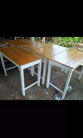 Meja warung makan