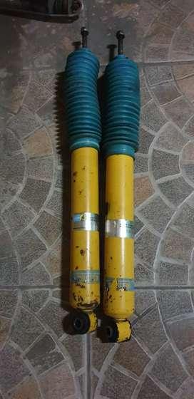 Shockbreaker innova belakang bilstein kuning b6