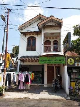 Dijual Rumah Kost 6 Kamar Strategis Dekat Kampus 3 UAD Yogyakarta SHM
