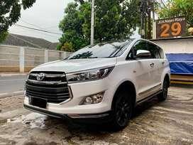 LOW Km 30rb an Toyota Innova REBORN V Putih AT UPGRADE VENTURER 2016