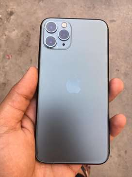 Iphone 11pro green 64gb with one year extend warranty