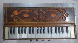 Harmonium (Normal repairing required)