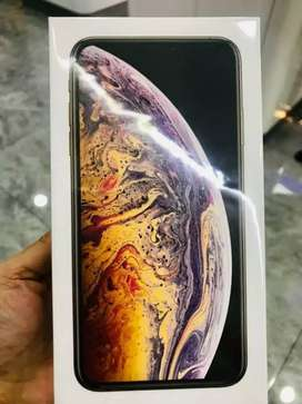 New Apple iPhone Xs Max 64 GB Gold Color