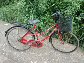 LADY BICYCLE GOOD CONDITION FOR SALE near Amala, Thrissur