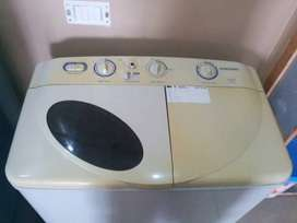 Wasing machine like new condition sabse kam price me