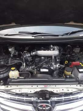 Innova G A/T Diesel th 2011