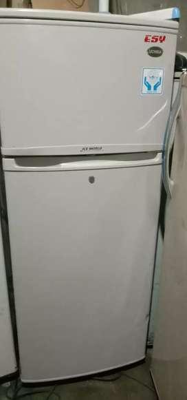 Jual cepat kulkas Uchida 2 pintu normal dan garansi satu bulan