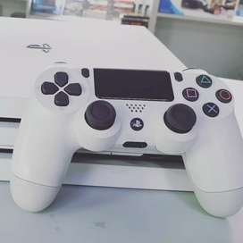 PS 4 white edition with 2 controllers
