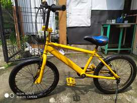 Sepeda BMX tinggal gowes