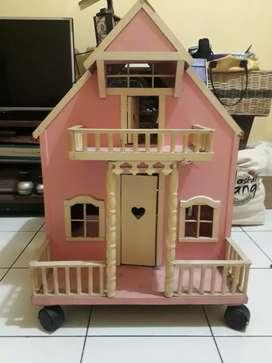 Rumah Barbie Kondisi mulus