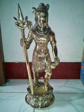 Patung dewa siwa Kuningan Besar