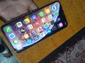 iphone xs max 64gb new brand condction 11 month old