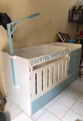 Baby Box Kayu Jepara Cat Duco banyak lacinya