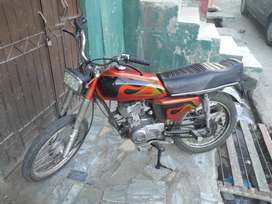 both bike for sale 2000 model pindi number and 2003 model lahore numbe