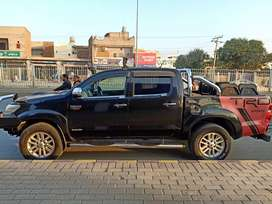 This is a Hilux London 2012  Model and Imoort 2016