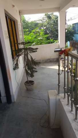 2 BHK flat near lahartara only for Rs 6500 only .safe secure.