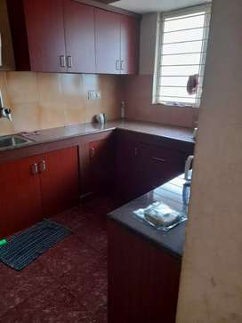 2 bed room semi furnished flat in nantoor