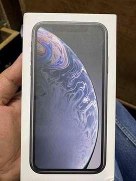 Iphone xR 128 gb.  One plus 7 pro 256 gb